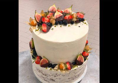 Naked Torte mit Früchten